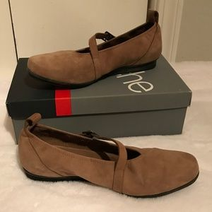 ARCHE   Suede Sz 7 Brown Mary Jane Shoes w/ Box